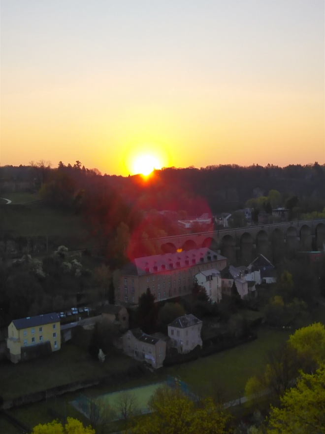 Luxembourg-City-Sunrise-200408